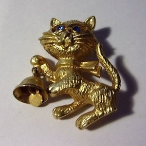Vintage Avon Gold Tone Kitten with Bell Brooch